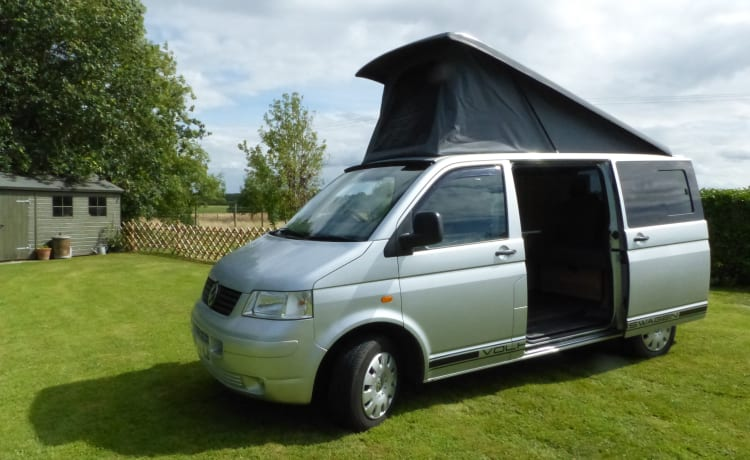 Walter – VW T5 Campervan