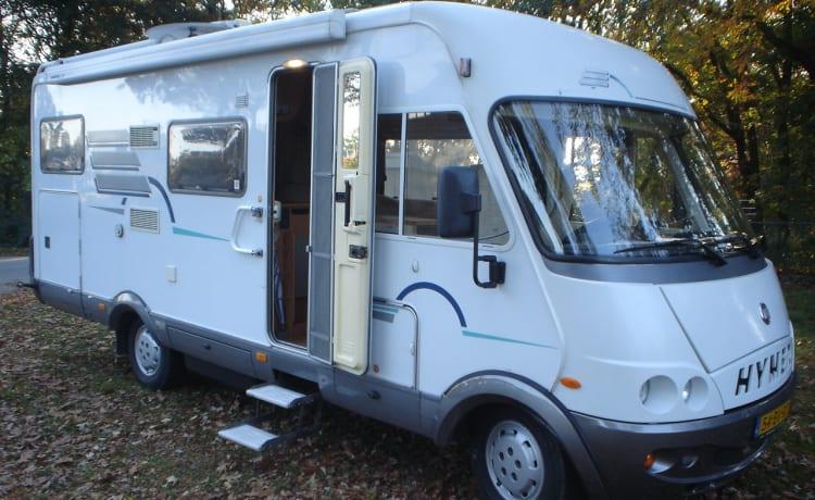Wood – Zeer complete Hymer B644(Wood) camper met ruime garage