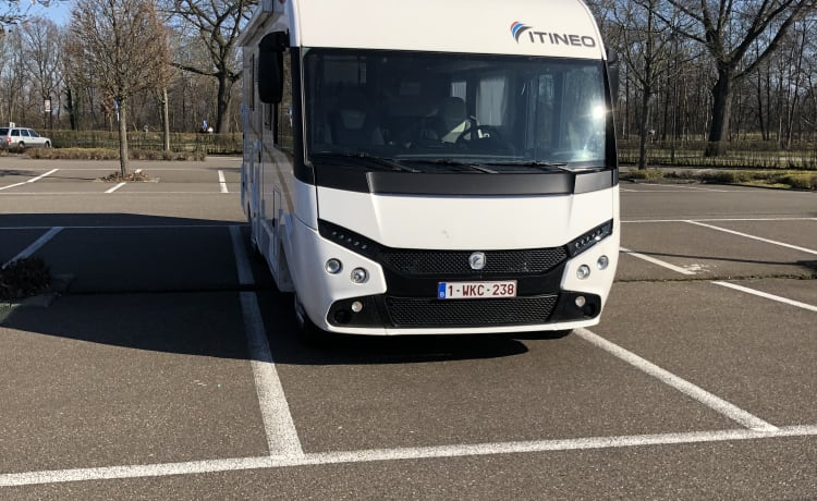 SB 740 – Spacious family camper 2019 for 5 people