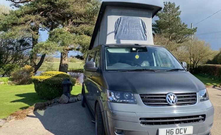 The Black Pearl – VW T5 Camper Van