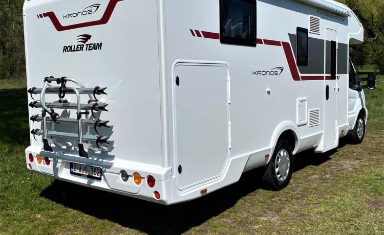 Rollerteam Kronos 265tl (2021) AUTOMAAT 4 personen volledig uitgerust!