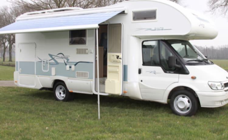 Super Big – Staanplaats op camping + 6 pers.camper +inventaris/beddengoed