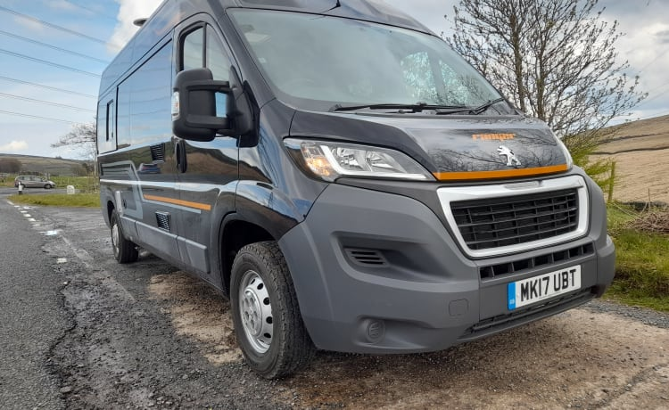 MK17 – 2 Berth Campervan/Motorhome - Fully equipped for your next Adventure