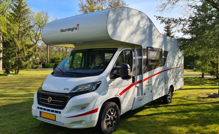 Spacious Family Camper Sunlight A70