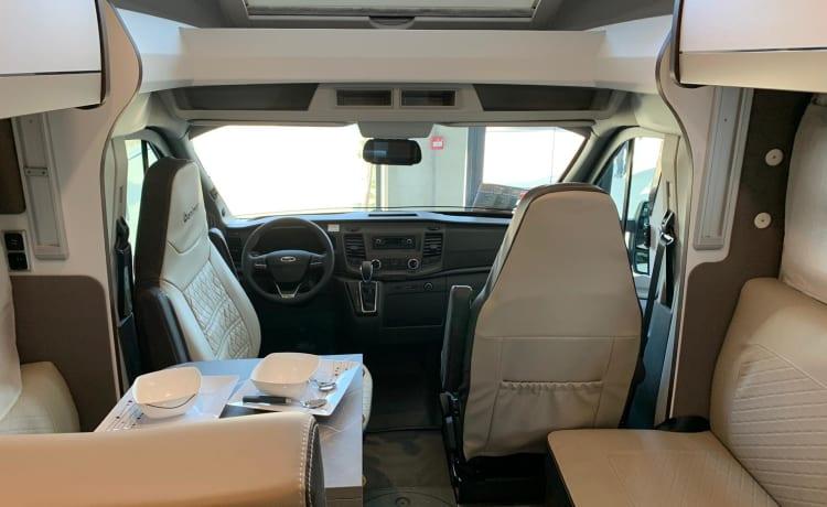 Nieuwe luxe Ford benimar te huur bwjr 2021
