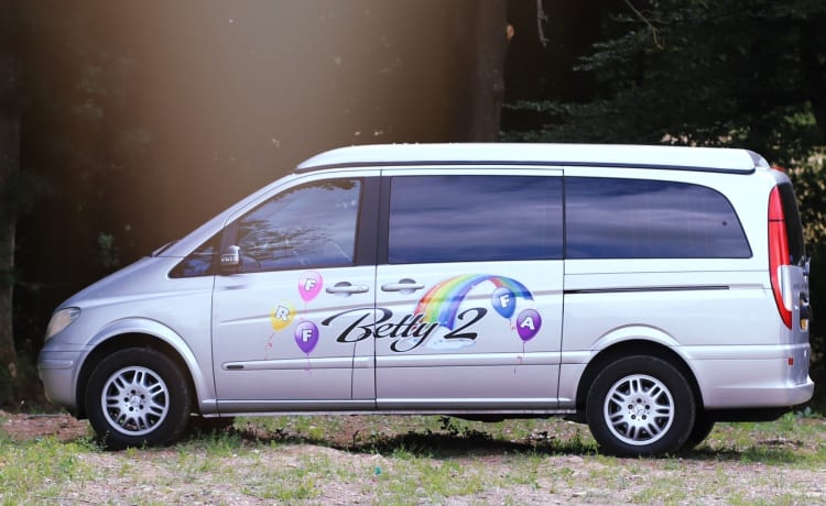 Betty2 Mercedes Viano LWB Camper.