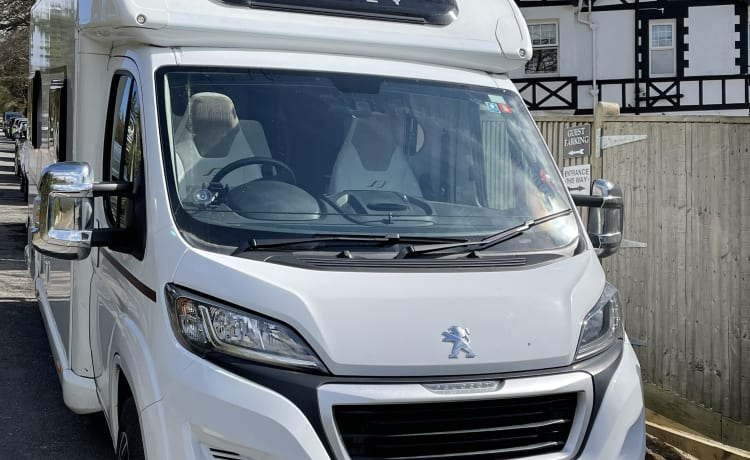 BAILEY – AMAZING PEGUEOT BAILEY 70-6 DRIVE ON A CAR LICENSE 6 BERTH AND 6 SEATBELTS