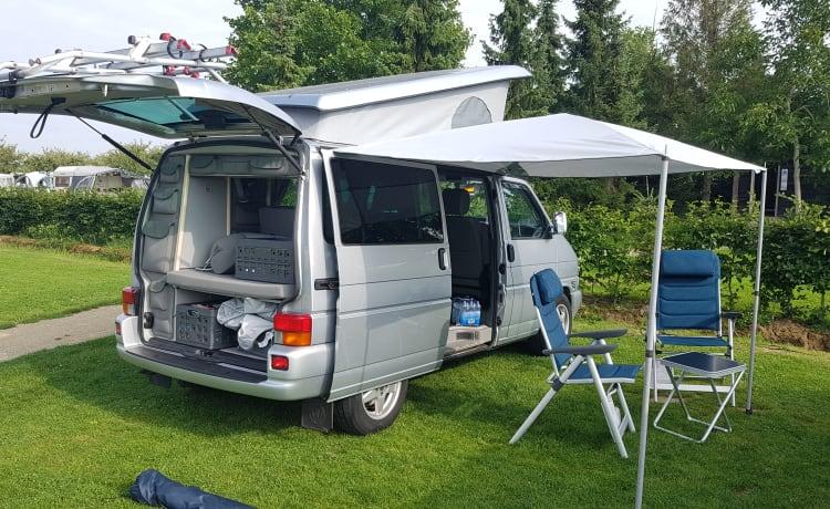 Prachtige en krachtige T4 volkswagen camperbus