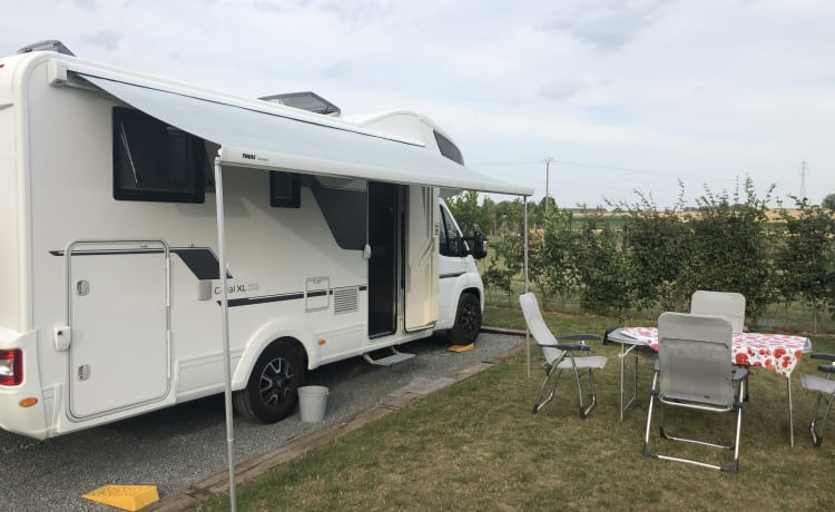 Felix – Prachtige family alkoof camper