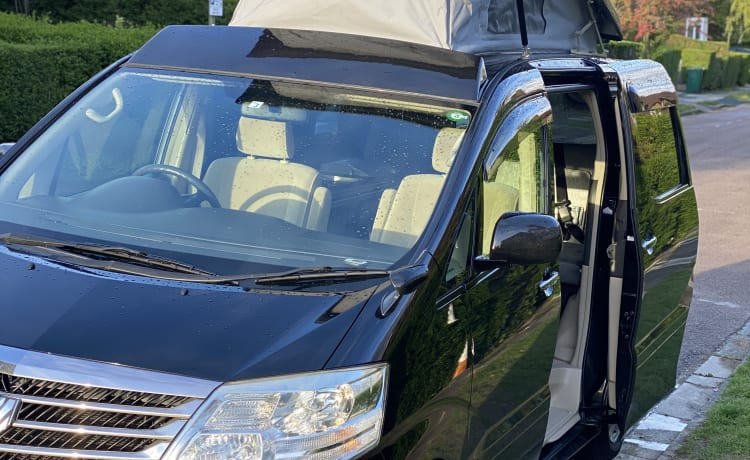 Luxury Campervan in London – Beautiful newly fitted out auto campervan