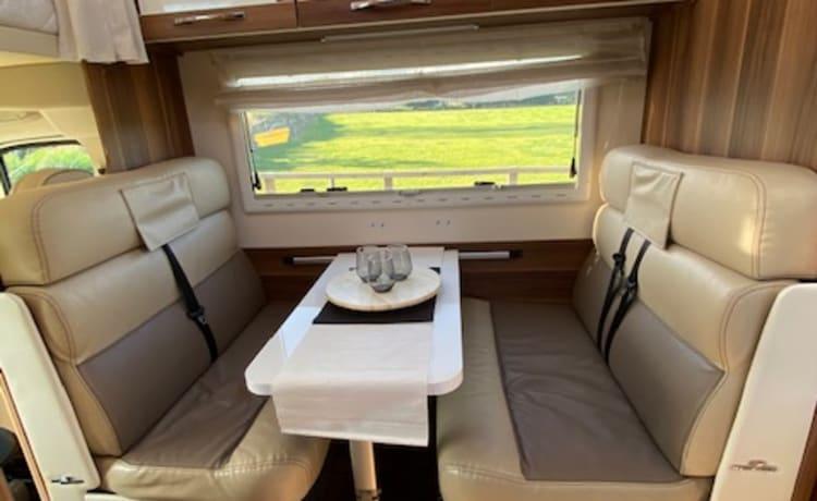 Luxe, moderne en ruime camper voor 6 personen
