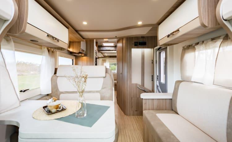 Shirley – Luxury family friendly 2021 Benimar tessor t482 4 berth