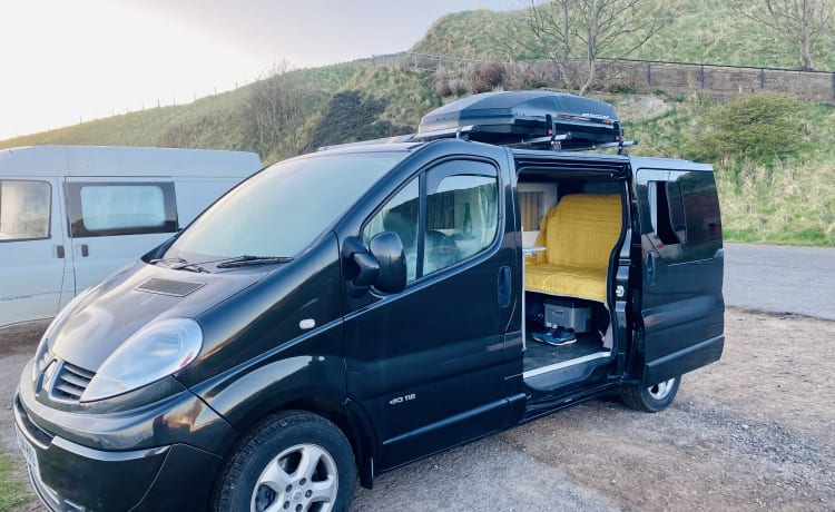 Fifie the camper  – Renault Trafic automatic campervan