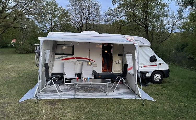 Lindebooming – Spacious luxury family camper