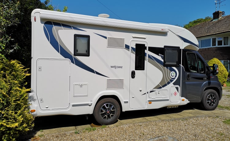 Charlene  – Mooie 4-persoons camper