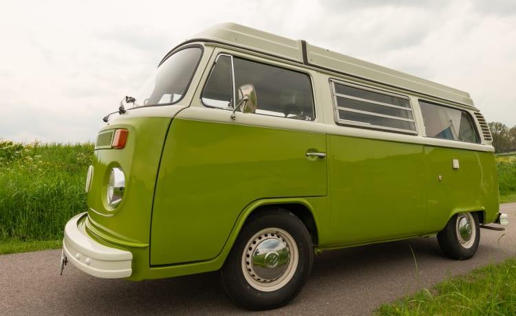 Het groene busje – Classic Volkwagenbus T2b