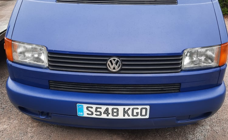 Vicki – VW T4 Camper