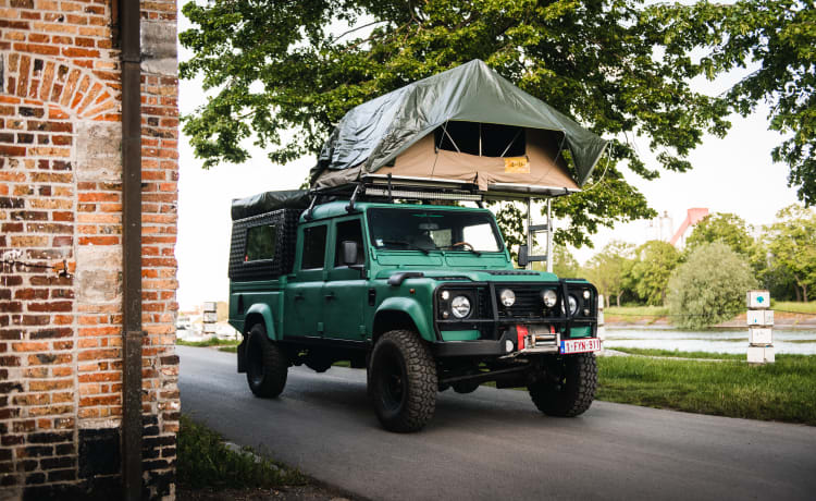 Morice  – Tough Defender 130 expedition(2 roof tents)