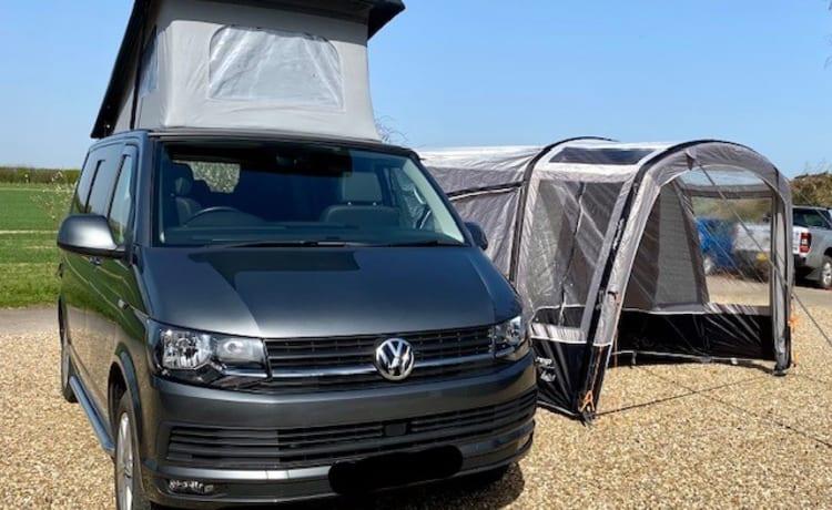 VW T6 luxury, 4 berth Campervan