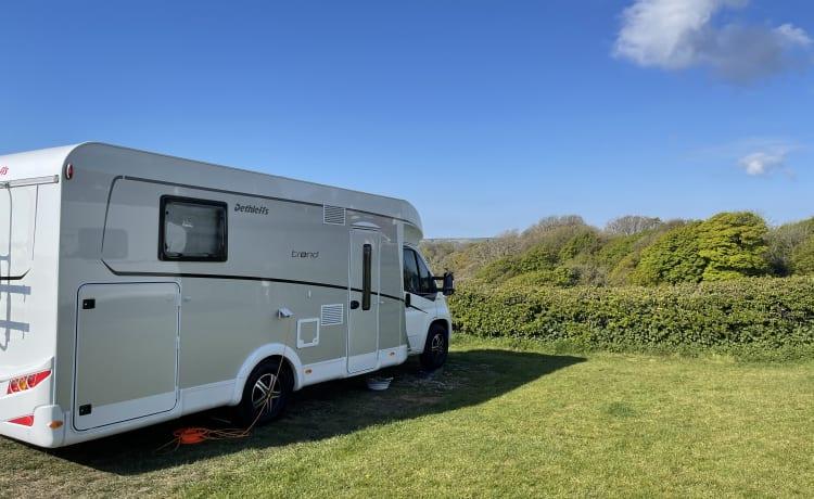 Dotty's Motorhome Rental – Lovely New Dethleffs Trend 7057 DBM