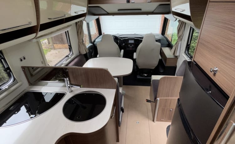 Spacious comfortable family motorhome - Itineo SB740