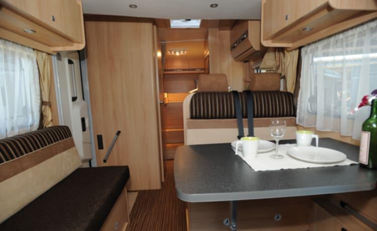 Nice spacious camper