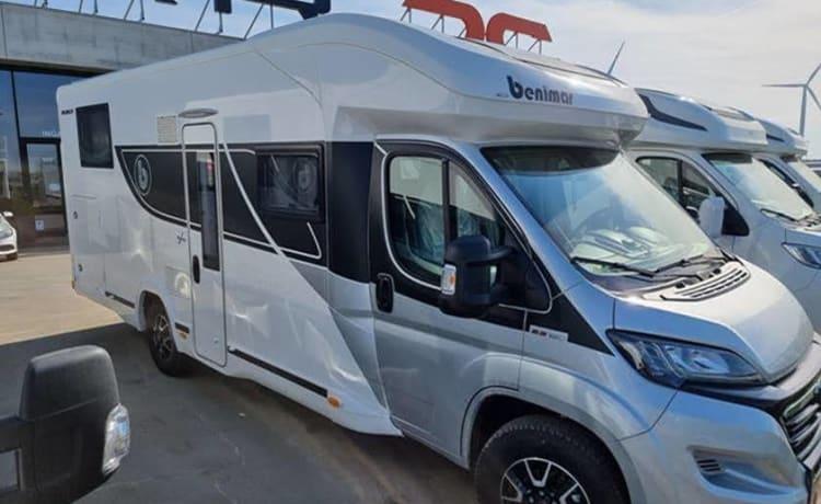 Brand new ultra luxury camper