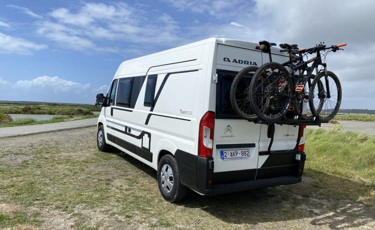 ViniVan – NEW 2021 Adria twin bus camper extra heavy solar panel