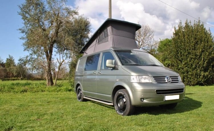 Volkswagen camper 4x4   4 personen    Fly and Drive - Portugal, Lissabon