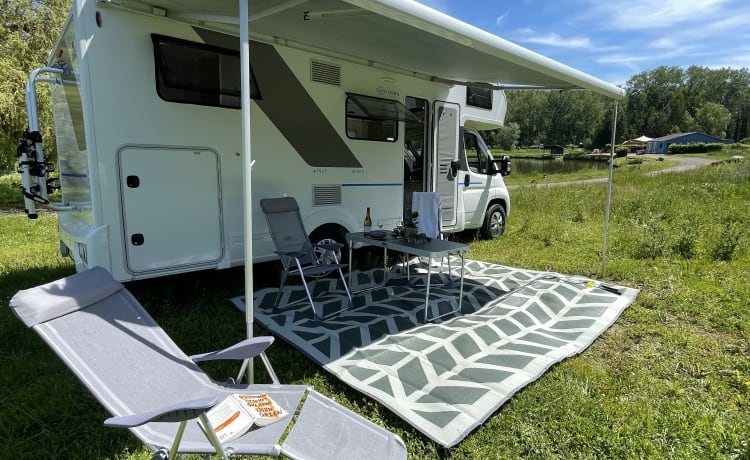 Brand new, very spacious and luxurious alcove camper - The King 2.0