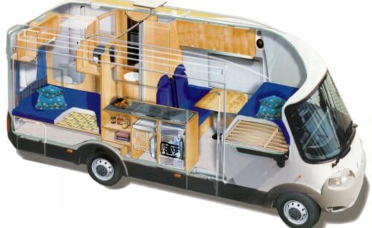 truffel – Mooie klassieke Knaus camper voor met zijn 2