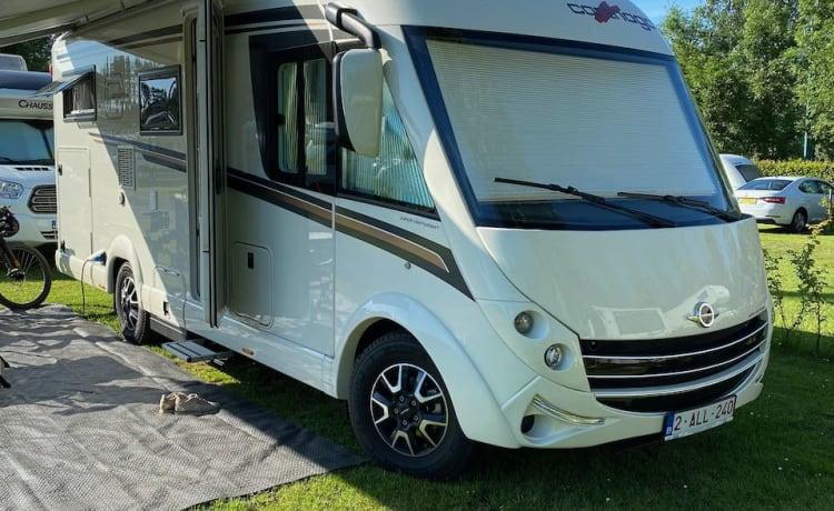 Luxueuze en comfortabele nieuwe Carthago camper
