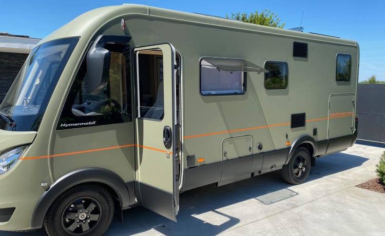 The Camper –  Hymer BMC 6OO Mercedes nieuwe avontuurlijke full option