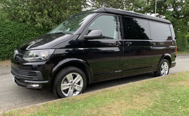 The Traveller – The Black Traveller VW T6 4-persoons Campervan - Automatisch