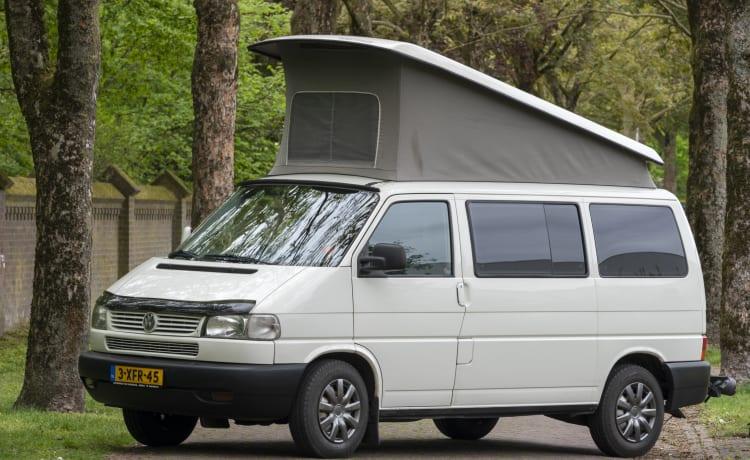 Ibiza - Gezellige en robuuste VW T4 multivan met slaapdak