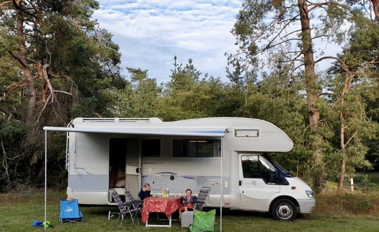Ford Rimor Superbrig 678 – Fantastico camper per famiglie Ford Rimor