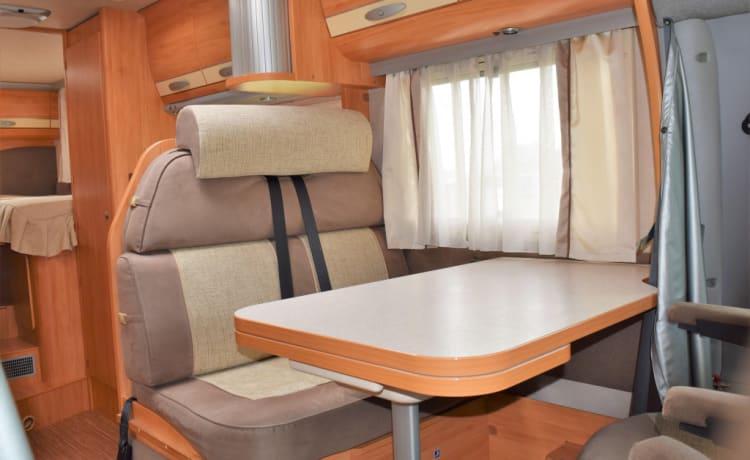 Complete, comfortabele luxe camper
