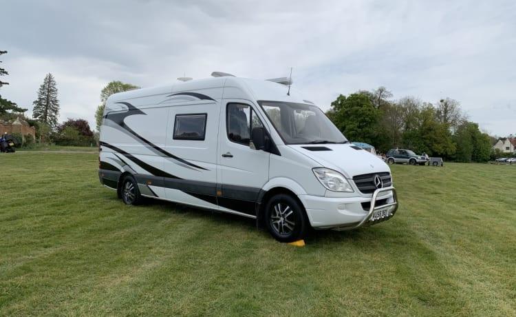 Barney The Campervan – Luxe Mercedes Sprinter camper