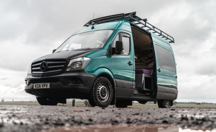 Spike – 3 berth Luxury Campervan for off grid living