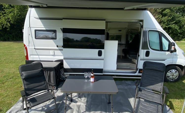 Avino one  – Mooie compacte Bus Camper te huur/koop