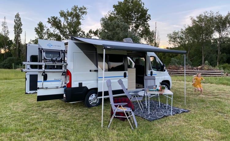The Van- Gloednieuwe 4 persoons Campervan – Brand new 4 berth campervan - Built in 2021