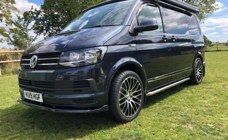 Arty – Luxury VW T6 4 berth Campervan