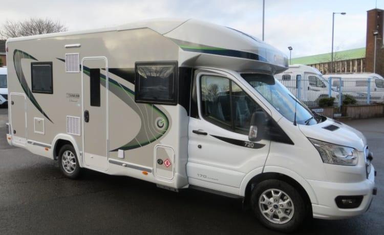 chausson 720 titanium premium – Nuovissimo camper automatico di lusso Glamper 5 posti letto