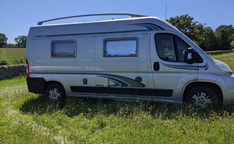 Roddy – Roamin' Roddy, il nostro camper con 2 posti letto ben arredato