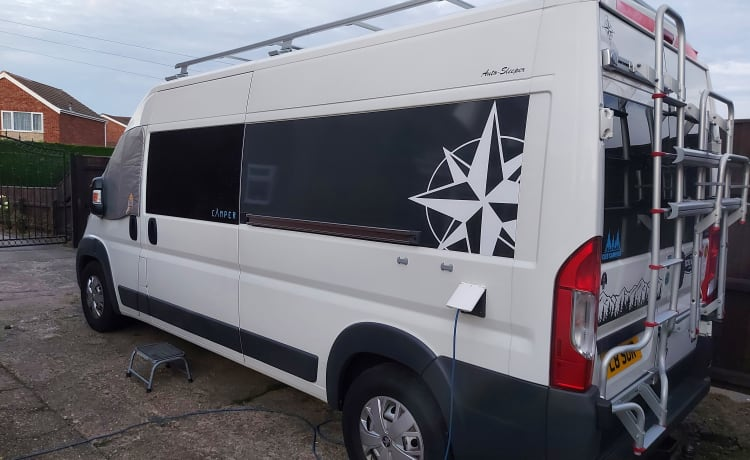 poppy – self converted, high specification campervan