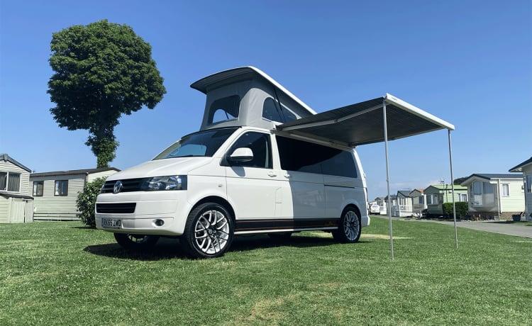 Arnie – 4 Berth Volkswagen Transporter