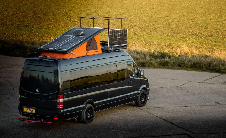 Black Prince – De ultieme super high-spec off-grid avontuurlijke camper