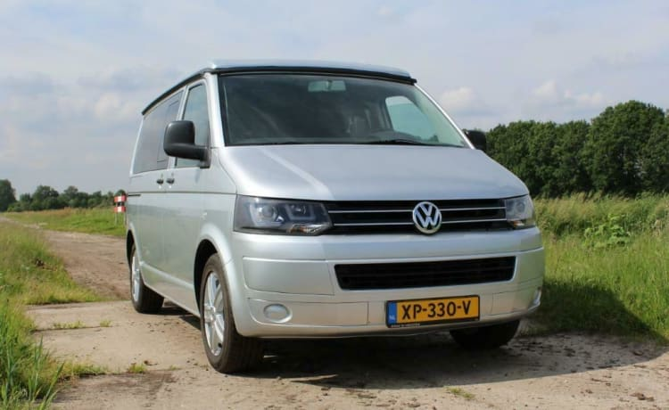 Looking for freedom? Rent this beautiful VW T5.