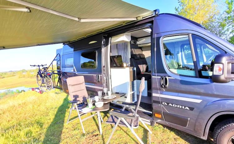 NOVITÀ 2021: camper bus Adria Supreme LUXE