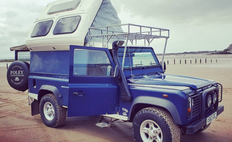 Blue Belle – Land Rover Camper for Family Wild Camping